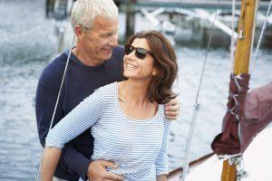 Auch im reiferen Alter bleibt die Lust an der Liebe bestehen. Foto: djd/OeKolp/Corbis